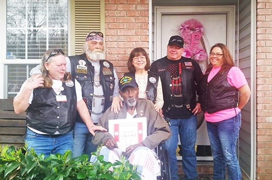 Covenant Care volunteers visit Veterans at home